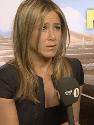 Jennifer Aniston's the Latest Target of Awkward BBC Reporter