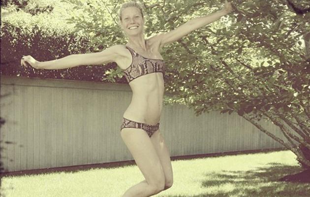 Makeup-Free Gwyneth Paltrow Flaunts Bikini Bod at 40!