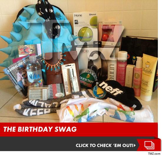 Kylie Jenner Sweet 16 150000 IN GIFT BAGS Headphones Makeup Jewelry