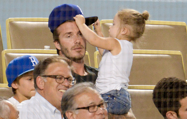 Cute Photos: David Beckham & Harper Watch the Dodgers!