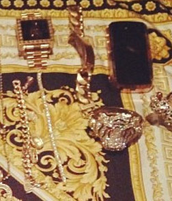"<span>In a move that says, ""F You, I'm too rich to steal your crappy diamonds"" ... rapper </span><strong>Tyga</strong><span> has posted a photo of the contents of his jewelry box hoping to publicly shame the guy accusing him of thievery ... and at the very least, it's damn impressive.</span><span></span>"