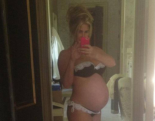 Kim Zolciak, Pregnant with Twins, Shares Bikini Pic!