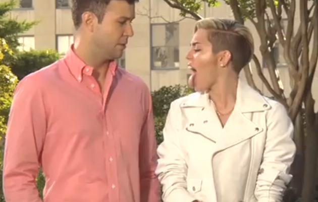 [VIDEO] Miley Cyrus Explains Sticking Out Her Tongue!