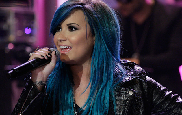 Demi Lovato Debuts BLUE Hair!