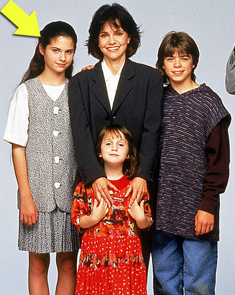 "Lisa Jakub played the eldest of the three nannied youngsters Lydia Hillard -- opposite Robin Williams -- in the 1993 family film ""Mrs. Doubtfire."""