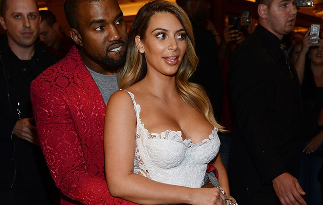Kim Kardashian Flaunts Ring & Slim Waist at Vegas Birthday Bash!