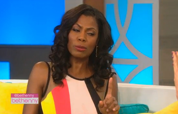 Omarosa & Bethenny Frankel Have Epic TV Catfight