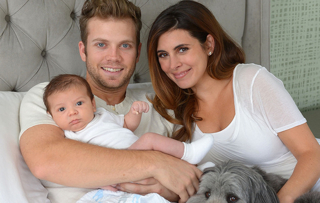 Jamie-Lynn Sigler Shares Adorable Family Photos!
