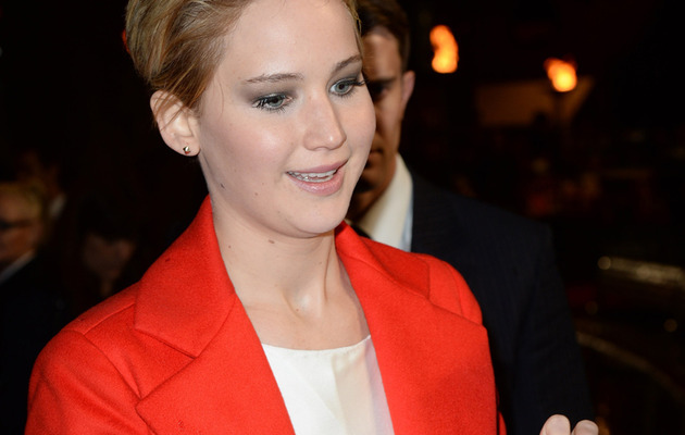 Jennifer Lawrence Consoles Crying Fan at Premiere, Is Awesome