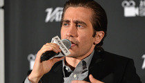 Jake Gyllenhaal -- Check Out My New Bandages