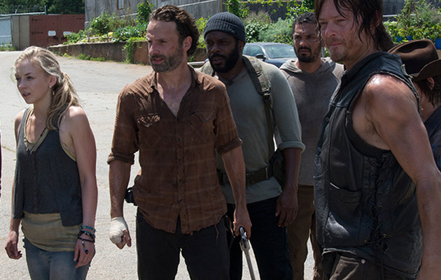 """The Walking Dead"" Mid-Season Finale -- 5 Lingering Questions!"