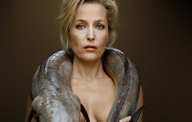 """X-Files"" Star Gillian Anderson Gets Naked ... with an Eel?!"