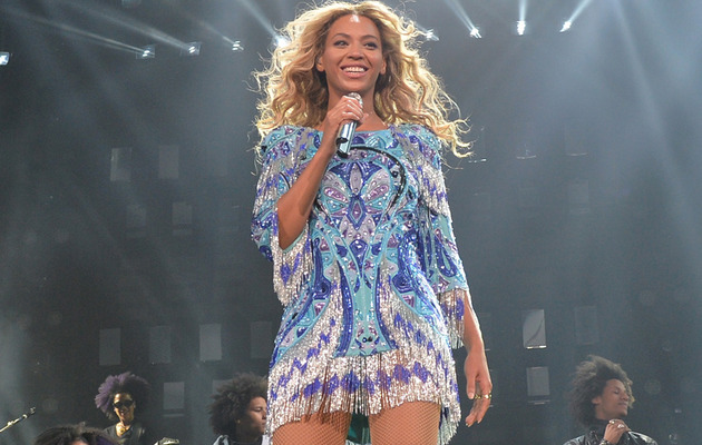"Video: Beyonce Dedicates ""I Will Always Love You"" to Paul Walker"