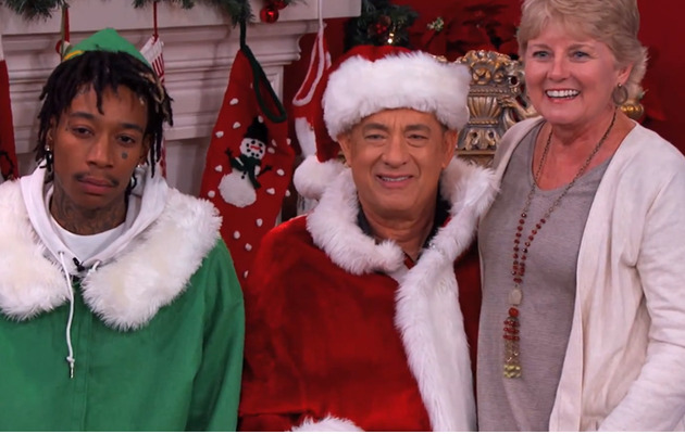 Tom Hanks Surprises Fan with Impromptu Christmas Card