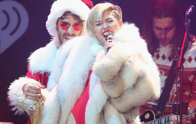 Miley Cyrus Does Another Raunchy Holiday Performance -- See Pics!