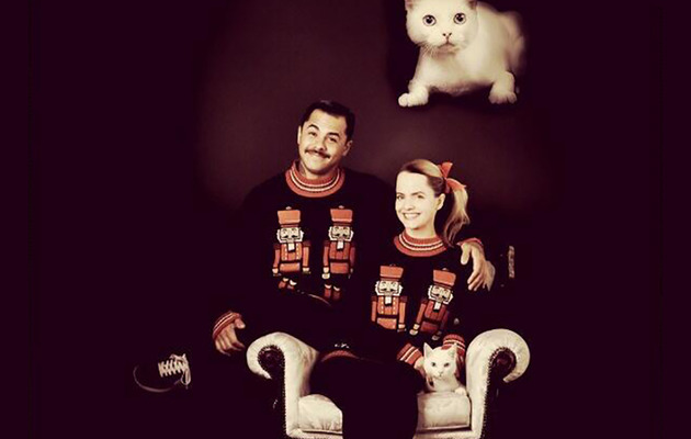 Mena Suvari's Christmas Card Is Amazingly Awkward