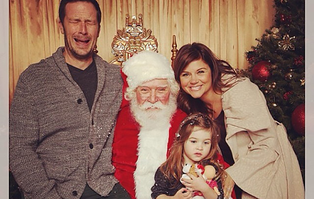 Tiffani Thiessen's Husband Cries on Santa's Lap -- See the Hilarious Pic!