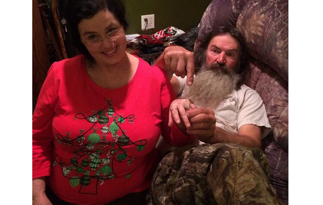 """Duck Dynasty"" Star Phil Robertson Gives Wife a BIG Ring Amid Scandal"