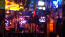 Deacon from 'Nashville' -- Honky Tonks in Legendary Bar ... And He Wasn't Even Drunk