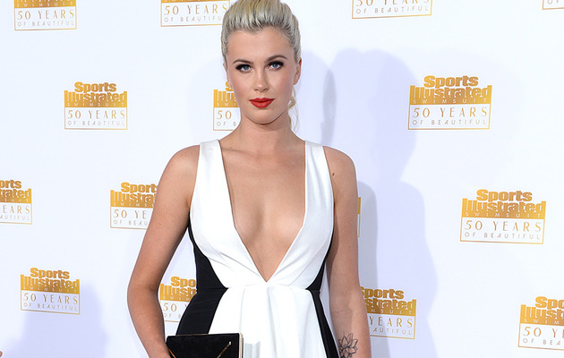 Ireland Baldwin Shows Major Cleavage At Sports Illustrated Bash