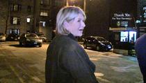 Martha Stewart -- DEFENDS PEYTON MANNING ... 'He Didn't Crack'