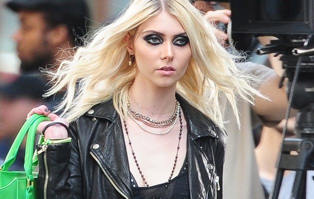 Taylor Momsen Gets Totally Naked In New Pretty Reckless Video