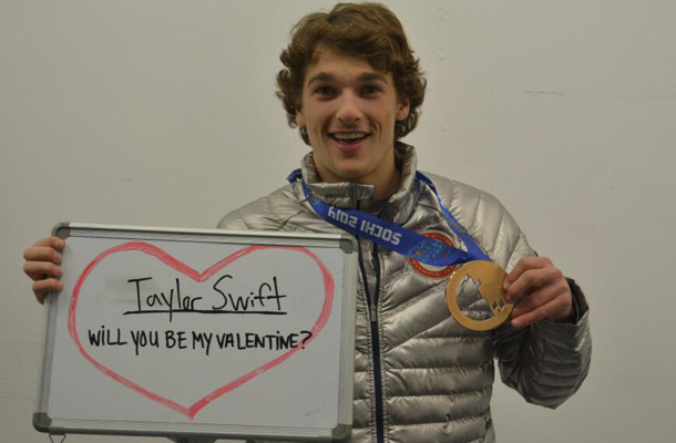 Valentine's Day TwitPics: Who Stripped & Who Asked Out Taylor Swift?