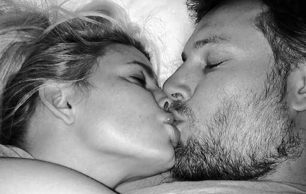 Jessica Simpson Shares Intimate Bedroom Snap with Eric Johnson