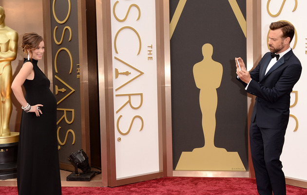 Jason Sudeikis Snaps Sweet Photo of Olivia Wilde on Oscars Red Carpet