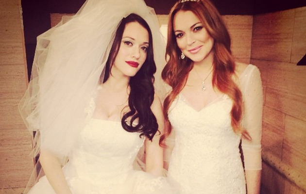 "Lindsay Lohan Films ""2 Broke Girls"" In a Wedding Dress -- See Set Pic!"
