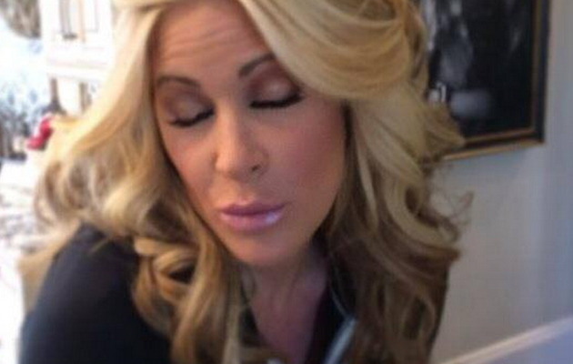 Kim Zolciak Shows Off Real Hair -- See What She Looks Like Now!