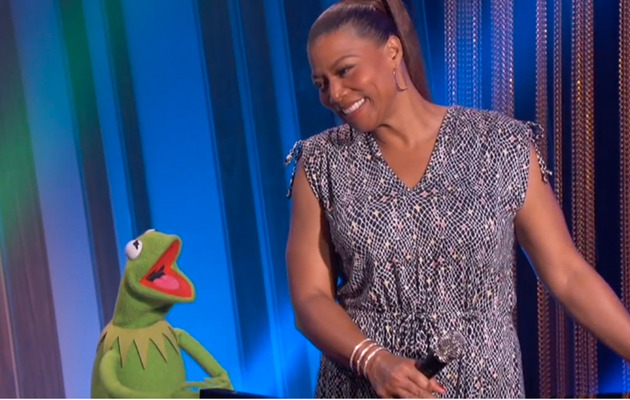 "Queen Latifah, John Legend, Kermit & Miss Piggy Sing ""Rainbow Connection"""