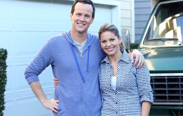 """Full House"" Reunion Pics -- DJ & Steve Reunite for ""The Neighbors"""