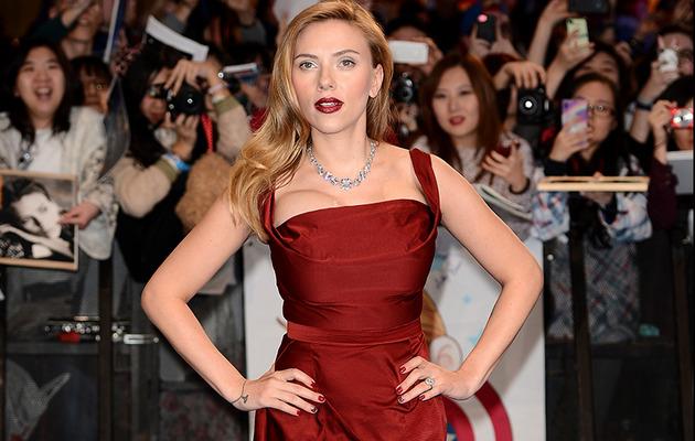 "Scarlett Johansson Stuns at ""Captain America"" UK Premiere -- Where's Her Baby Bump?"