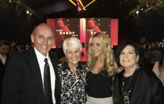 Amanda Bynes Looks Happy & Healthy at FIDM Debut With Parents!