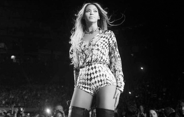 "Video: Beyonce Does ""Ugly Cry"" Onstage at Final Tour Show"