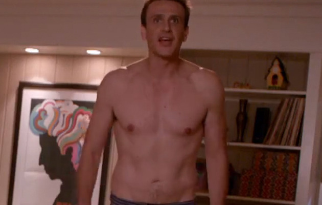 "Jason Segel Shows Off Weight Loss In Raunchy Trailer for ""Sex Tape"""