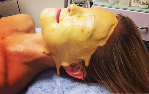 Bar Refaeli Gets Pure Gold Facial -- See the Pricey Pic!