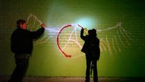 Joe Perry Vandalizes Wall -- Dude Looks Like a Tagger