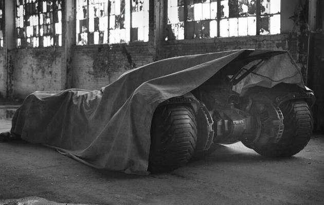 """Batman vs. Superman"" Director Zack Snyder Teases New Batmobile"