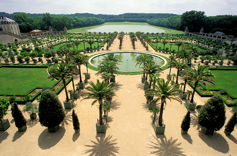 <span>The Palace of Versailles has 5 spaces available for events ... but our sources say Kim's tying the knot in a place only a few others have occupied -- which we believe is the palace's Orangerie.</span>