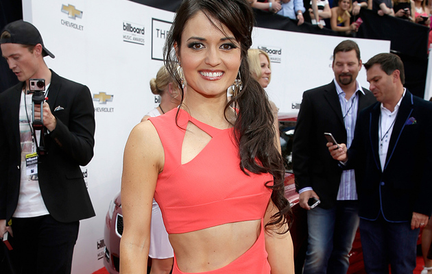 Danica McKellar Flaunts Crazy Abs on Billboard Red Carpet