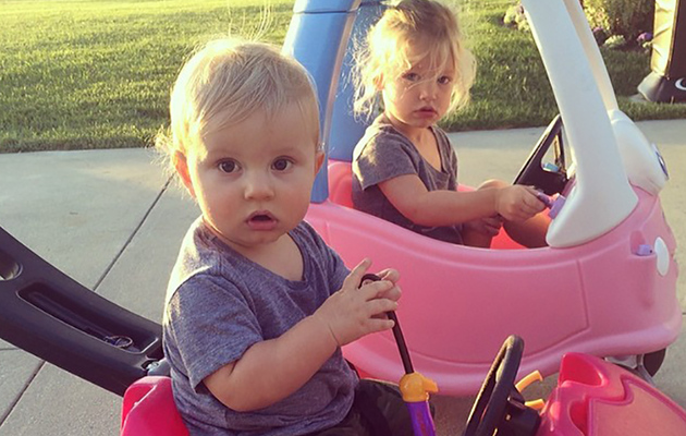 Jessica Simpson Posts Super Cute Pic of Lookalike Kiddies!