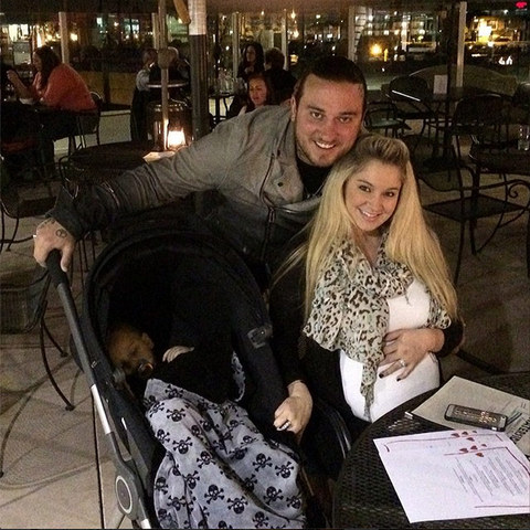 <span>Disney star </span><span>Tiffany Thornton</span><span> has run away with her two young sons ... so claims her husband, who has filed a child stealing report with police.</span>