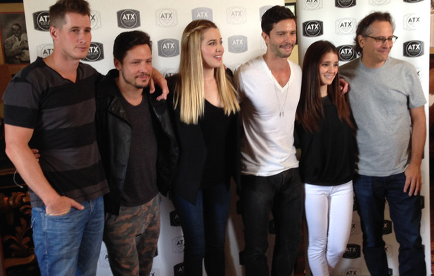 """Roswell"" Reunion: Which Star Peed His Pants on a Dare?"