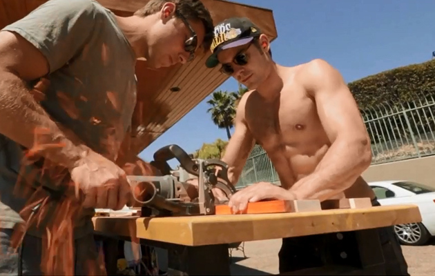 Zac Efron Makes A Skateboard ... Shirtless! See the Sexy Video