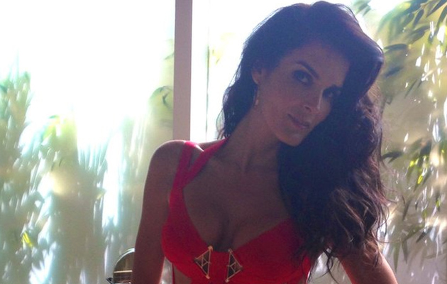 Angie Harmon, 41, Shows Off Insanely Hot Beach Body