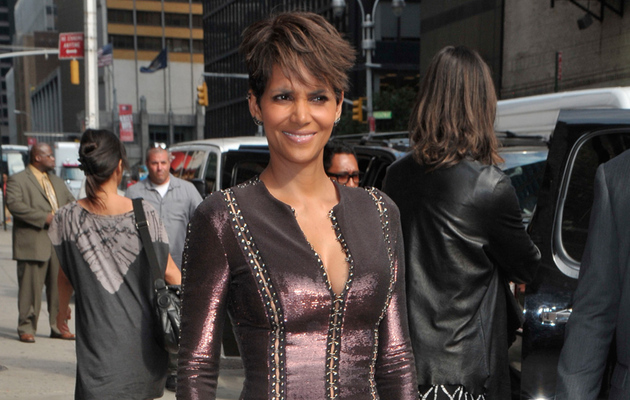"Halle Berry Shows Some Skin on ""Late Show,"" Admits She Believes In Aliens"