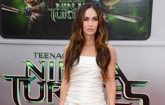 "Megan Fox Sizzles in White at ""Teenage Mutant Ninja Turtles"" Premiere"