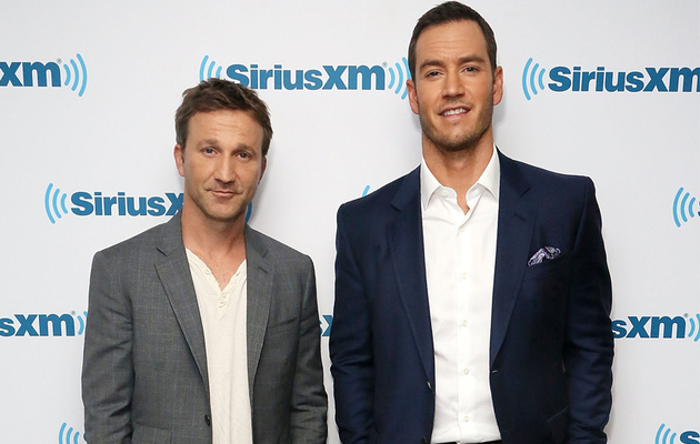 "Mark-Paul Gosselaar & Breckin Meyer Slam Dustin Diamond's ""Saved by the Bell"" Book"